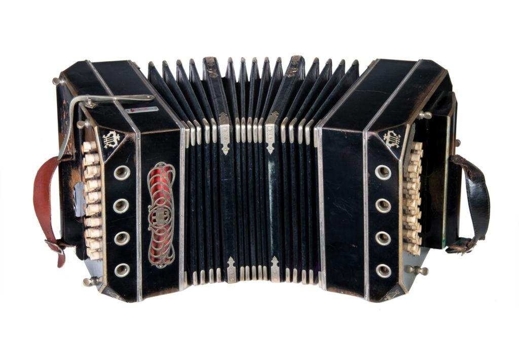 бандонеон музыкальный инструмент - аргентинская гармонь